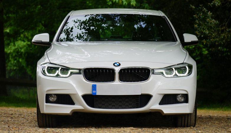 Immatriculer une voiture en Andorre présente quelques avantages